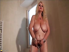 Granny Dana (66) strips with..