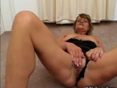 Dirty mature slut goes..
