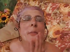 Granny gives a Blowjob to a..