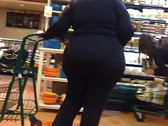 gilf with a wide booty