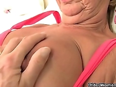 British gilf Elle does a..