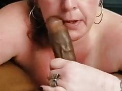 Mature wife sucking greater..